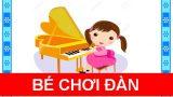Bé chơi đàn